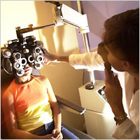 Description: A phoropter and retinoscope